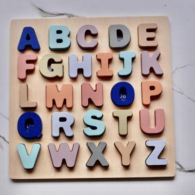 Puzzle alphabet ou chiffres, abécédaire en bois